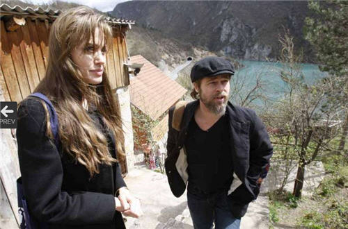 Jolie and Pitt in Bosnia